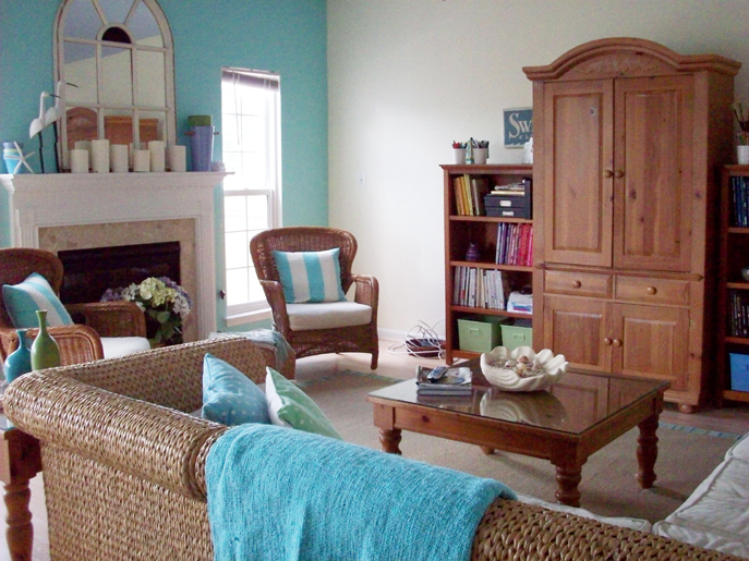 Livingroom in a country home, with hardwood furniture