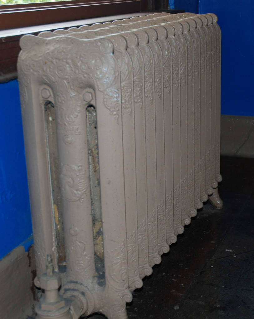 cast iron radiator for home heating